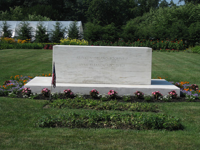 Grave of FDR and ER