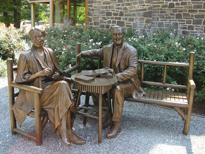 statue of the Roosevelts