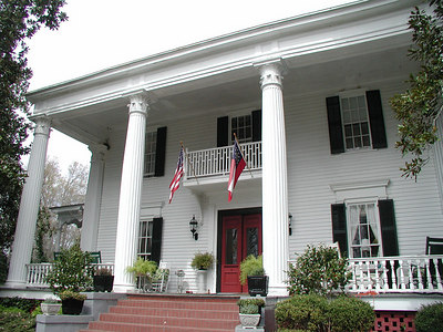 the front of Washington Plantation