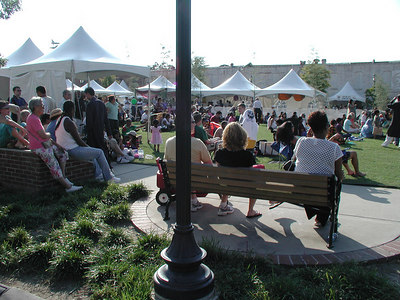Arts in the Heart crowds